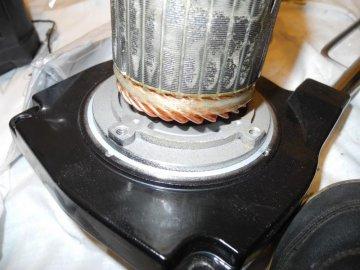 крепление мотора лебедки 4х4.jpg